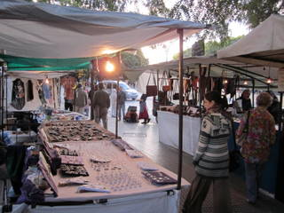 puerto madero outdoor market